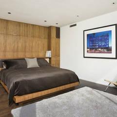 Bima Residence:  Tangga by Budi Setiawan Design Studio