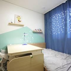 Nursery/kid's room by homelatte