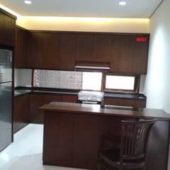 TS House:  Dapur by PT.Matabangun Kreatama Indonesia
