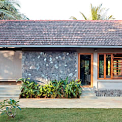 Bungalow oleh DCOOP ARCHITECTS, Rustic Batu