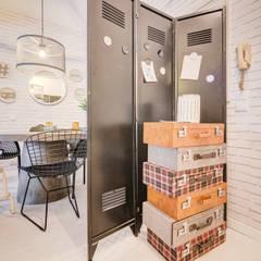 Querido Mudei a Casa - Ep 2607 Corredores, halls e escadas industriais por Santiago | Interior Design Studio Industrial