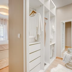 Dressing room by Santiago | Interior Design Studio , Country