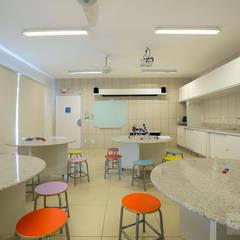 Electrónica de estilo  por Patrícia Nobre - Arquitetura de Interiores