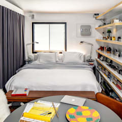 Fairview Park:  Bedroom by Clifton Leung Design Workshop