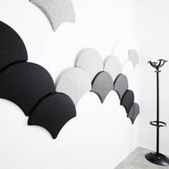 Detalle material: Oficinas y Tiendas de estilo  de Laia Ubia Studio