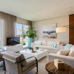 غرفة المعيشة تنفيذ Hossam Nabil - Architects & Designers