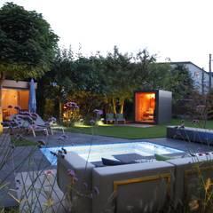 Saunahaus / Gartensauna am Pool im Garten:  Gartenpool von Gartenhauptdarsteller