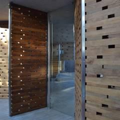 Casa C-17: Casas de madera de estilo  por XXStudio, Moderno Madera Acabado en madera