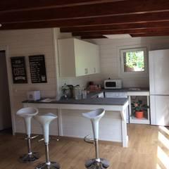 Casetas de madera habitables: Casas de madera de estilo  de Grupo Dancu 2017 S.L