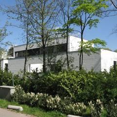 Villa LeVr:  Ramen door Verheij Architecten