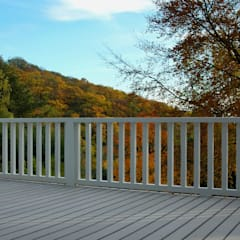 Bildschöne graue WPC Design Dielen auf wetterfester Terrasse:  Terrasse von MYDECK GmbH
