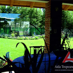 Jardines zen de estilo  por Aida Tropeano & Asoc.