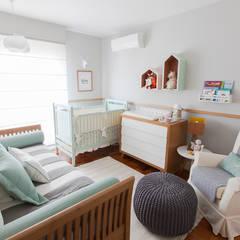 Dormitorios de bebé de estilo  por Pereira Reade Interiores,
