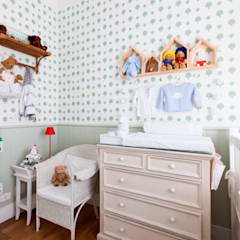 Baby room by Pereira Reade Interiores,