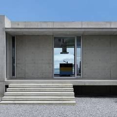 O3 house: Ikuyo Nakama Architect Design Officeが手掛けた別荘です。