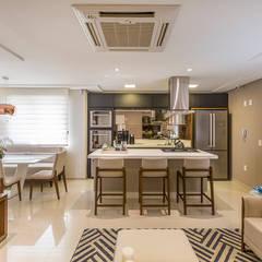 Kitchen units by Juliana Agner Arquitetura e Interiores