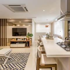 Sala de Estar Integrada: Salas de estar  por Juliana Agner Arquitetura e Interiores