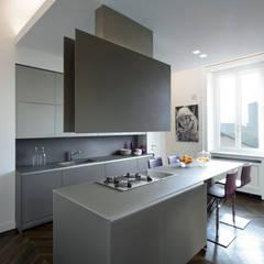 Kitchen by Costa Zanibelli associati