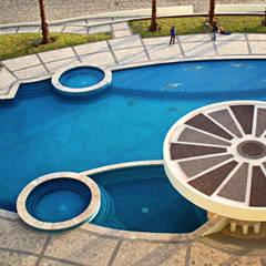 Alberca Playa Blanca: Albercas de estilo topical por Albercas y Spa de Sonora SA de CV