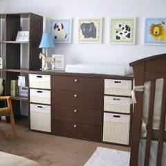 recamaras infantiles: Recámaras para bebés de estilo  por MIRIAM ESCOBEDO INTERIORISTA