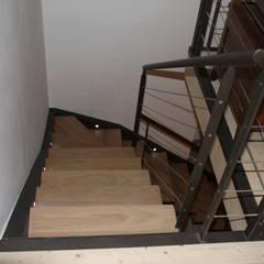 Escaleras de estilo  por BIEN DANS MA DECO