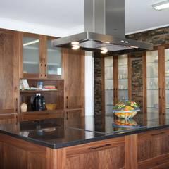 Projeto Rústico: Cozinhas  por Moderestilo - Cozinhas e equipamentos Lda