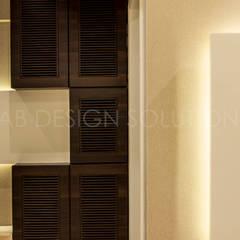 1500 Sft Residence at Rohan Kritika, Sinhagad Road, Pune :  Corridor & hallway by Archilab Design Solutions Pvt.Ltd.