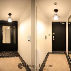 수유 두산위브 아파트 34py: Design Daroom 디자인다룸의  복도 & 현관,클래식