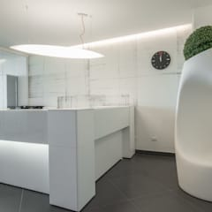 STARGATE Consulting and Training _ Ristrutturazione e Interior design (2015): Studio in stile  di ITALIAN DESIGN STUDIO