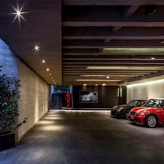 Garajes abiertos de estilo  por Eduardo Gutiérrez Taller de Arquitectura