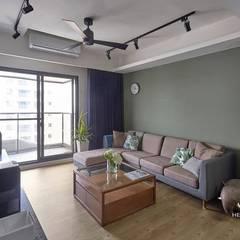 台中-精銳:  客廳 by 禾廊室內設計