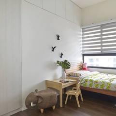 Cuartos infantiles de estilo  por 禾廊室內設計