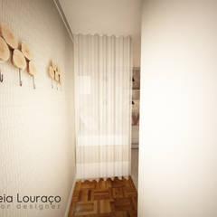 """Projecto de Decoração Quarto """"Triangles"""": Quartos de adolescente  por Andreia Louraço - Designer de Interiores (Contacto: atelier.andreialouraco@gmail.com)"""