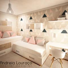 """Projecto de Decoração Quarto """"Triangles"""": Quartos de rapariga  por Andreia Louraço - Designer de Interiores (Contacto: atelier.andreialouraco@gmail.com)"""