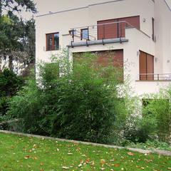 2 Jahre später: minimalistischer Garten von guba + sgard Landschaftsarchitekten
