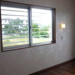 2F主寝室: 株式会社青空設計が手掛けた寝室です。