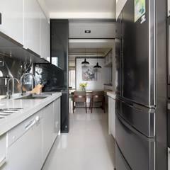 Nhà bếp by 禾廊室內設計