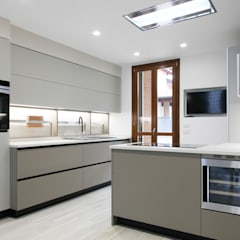 modern Kitchen by Andrea Picinelli