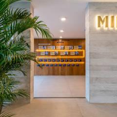 Diseño y Styling | Showroom Edifica proyecto MID: Espacios comerciales de estilo  por Gracia Nano Studio