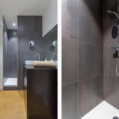 Le Confort: Salle de bains de style  par Thomas Marquez Photographie