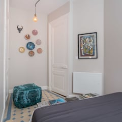 Le Blue Dream: Chambre de style  par Thomas Marquez Photographie