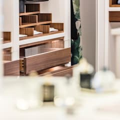 Details Ankeidezimmer:  Ankleidezimmer von BAUR WohnFaszination GmbH