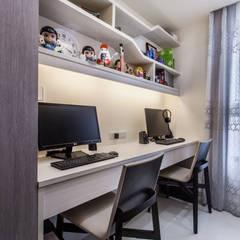 晶亮27坪空間放大術:  嬰兒房/兒童房 by 好室佳室內設計