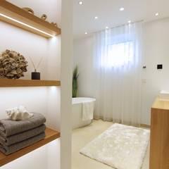 Home Staging Graz:  Badezimmer von StageBella