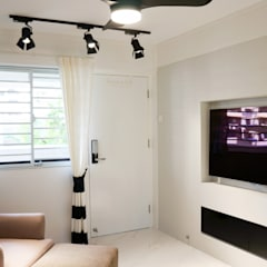 3-Room HDB @ Whampoa Drive:  Living room by AgcDesign