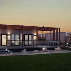 Turn Key High Specification Lodge:  Detached home by Building With Frames