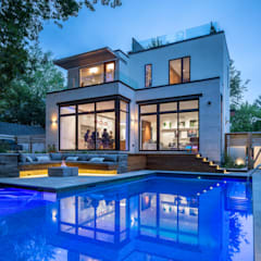 Avenue Road Residence: modern Houses by Flynn Architect