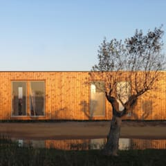 Prefabricated Home by JGDS-EPA - CASAS MODULARES, Modern