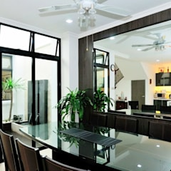 Terrace @ Saraca Place: modern Dining room by AgcDesign
