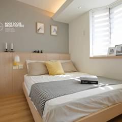 Bedroom by 築本國際設計有限公司